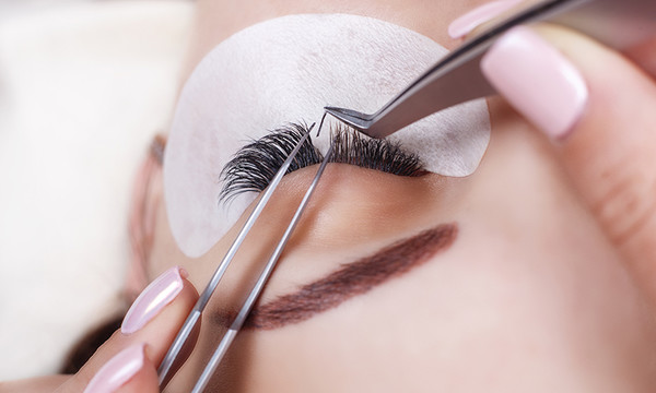 Eyelash Extensions Services Laval